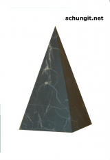 High unpolished pyramid  3-10cm